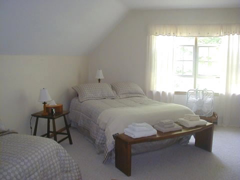 bedroom-greenworks-bed-breakfast-lime-rock-park